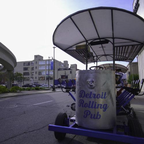 Detroit Rolling Pub Bar Tour